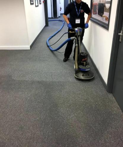 Commercial-Office-Corridor-Carpet-Cleaning